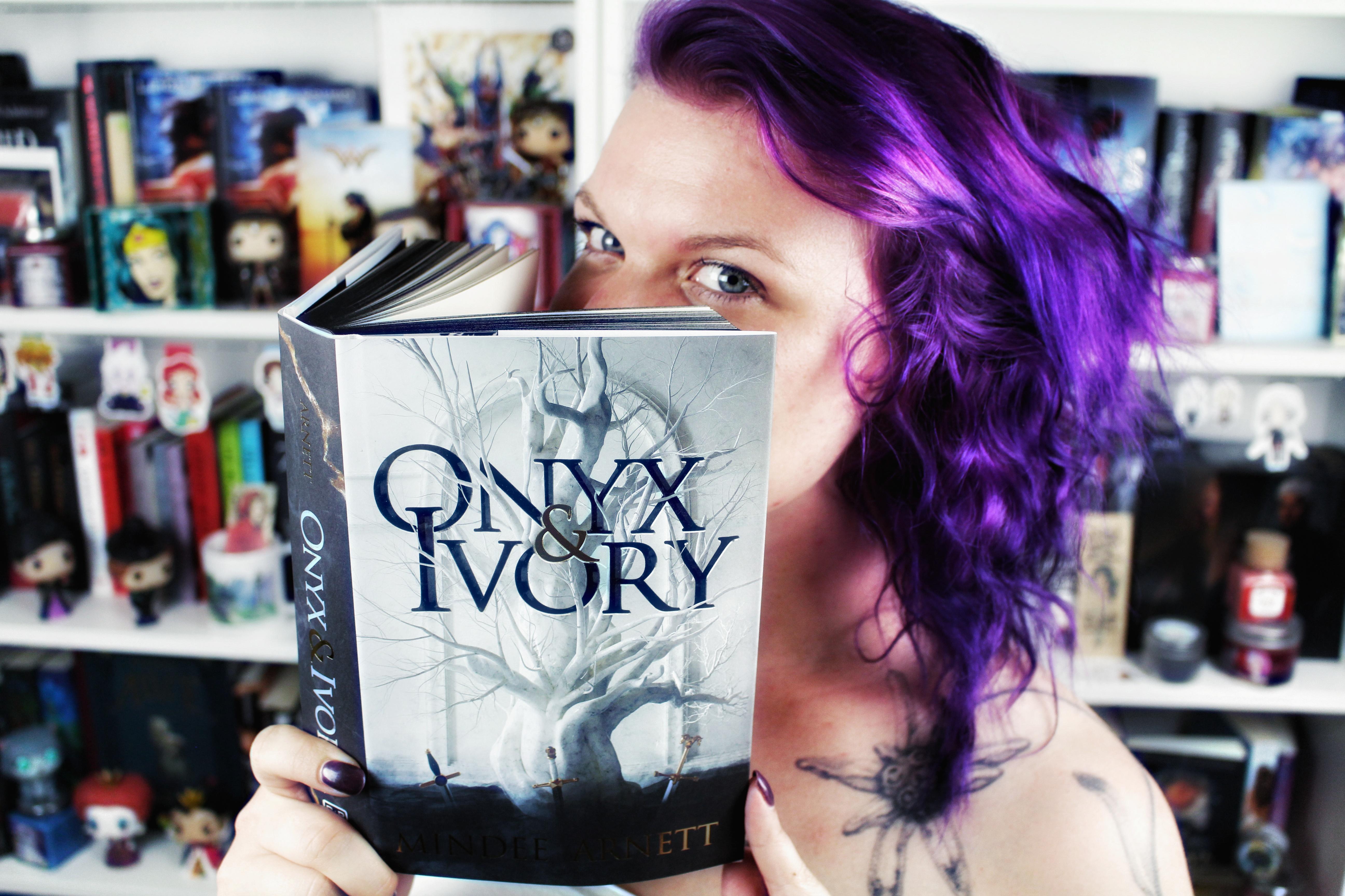 Rezension: Onyx & Ivory / Mindee Arnett
