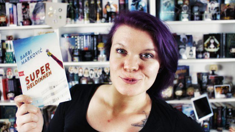 Rezension | Superheldinnen von Barbi Markovic