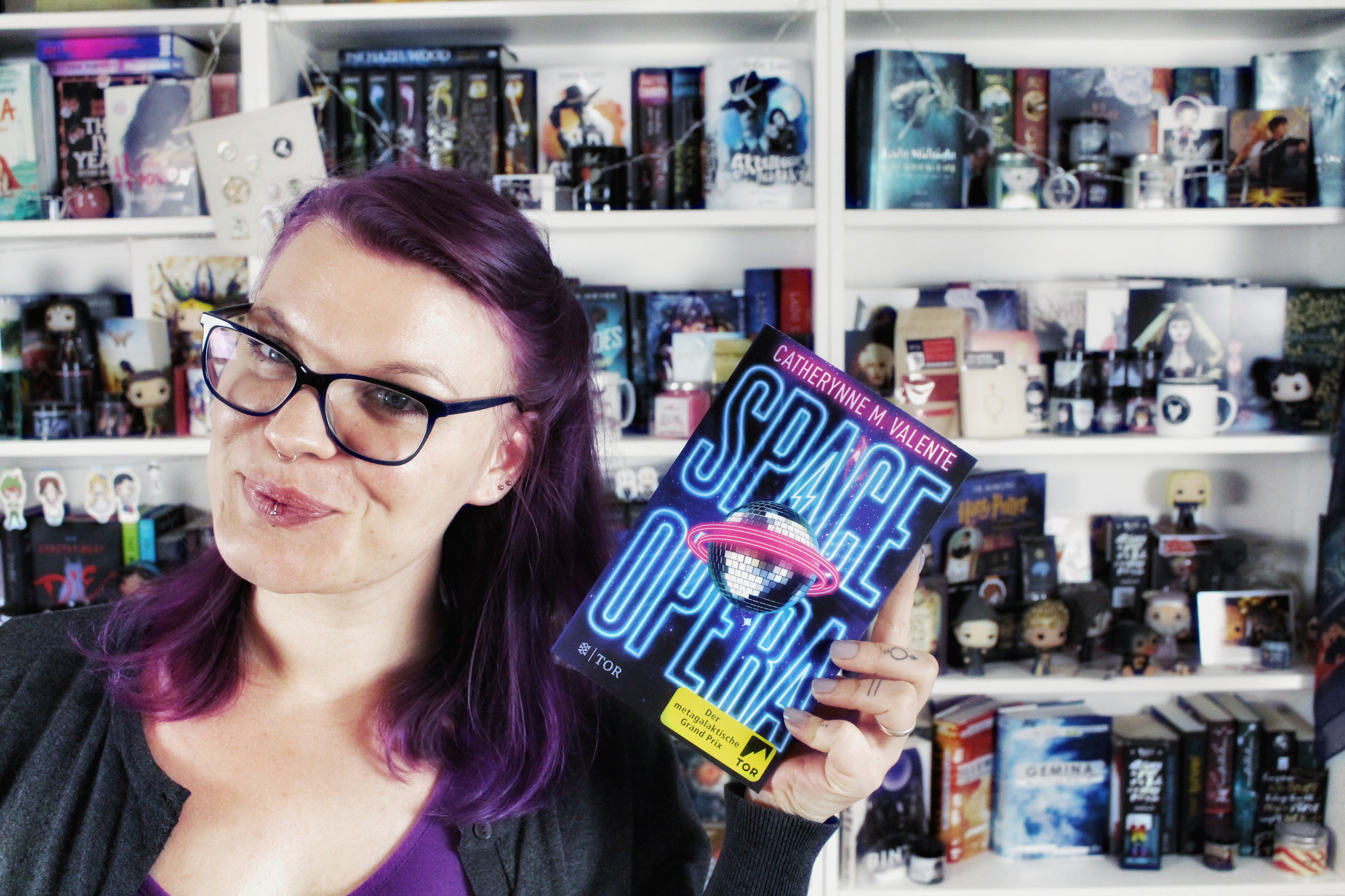 Rezension | Space Opera von Catherynne M. Valente