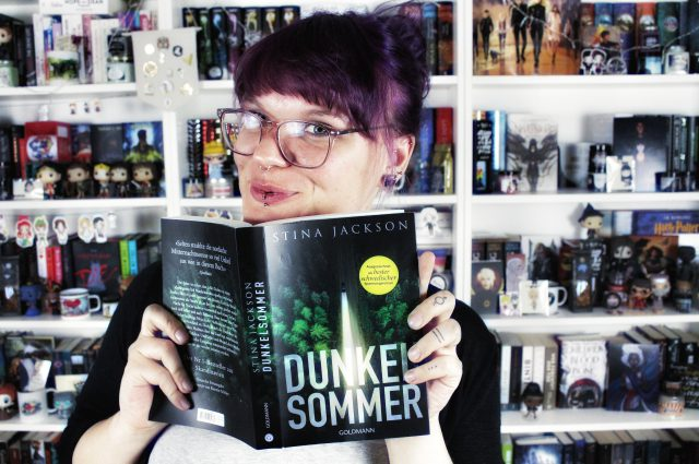 Rezension | Dunkelsommer von Stina Jackson