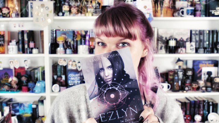 Rezension | Ezlyn von Karolyn Ciseau