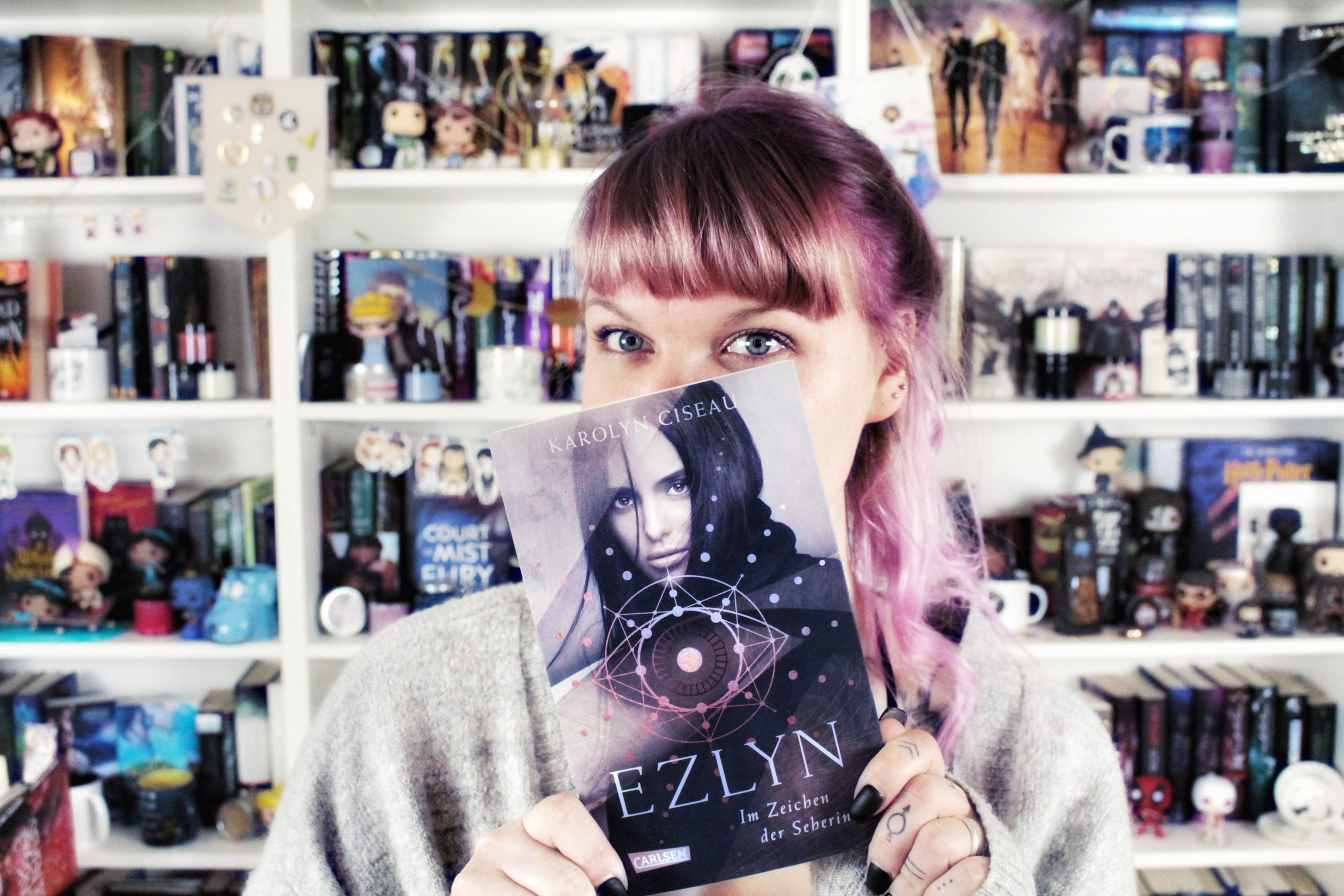 Rezension | Ezlyn von Karolyn Ciseau